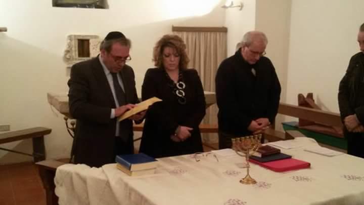 Il Morè Carmine Davide con la Dott.ssa Porzia Quagliarella e Don Peppino Balice presso Canosa